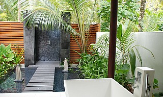Niyama beach villa bathroom